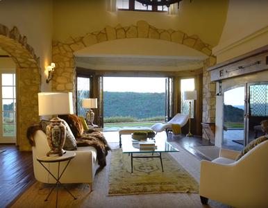 Mel Gibson sprzedaje dom z widokiem na Pacyfik. Wcześniej mieszkała w...
