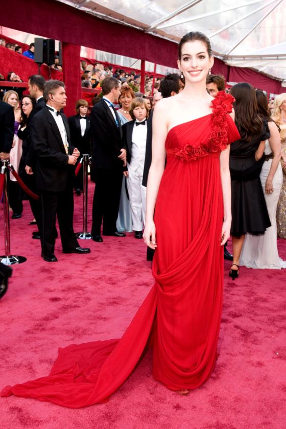 Anne Hathaway podczas 80. ceremonii rozdania Oscarów w 2008 roku