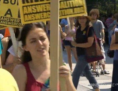 """Protesty w amerykańskich miastach. """"Obama = Al-Kaida"""""""