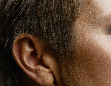 Ten przypadek pokazuje, że COVID-19 może być przyczyną nagłej utraty słuchu