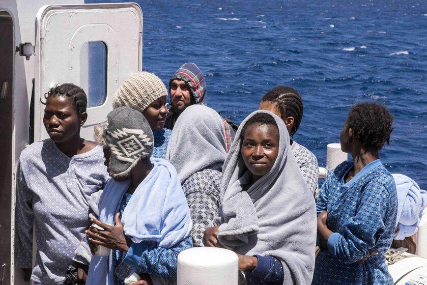 Migranci przybywający do Lampedusy, maj 2019 roku