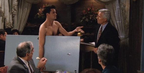"""""""Przyjaciele"""" – quiz z serialu. Co Susie zrobiła Chandlerowi?"""