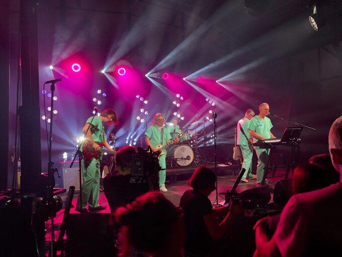 Zespół EndoPower: śpiewający i grający profesorowie urologii podczas festiwalu KultURO
