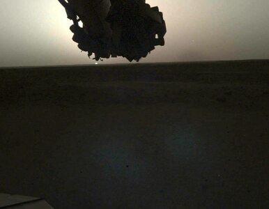 Wschód i zachód Słońca na... Marsie. Unikalne zdjęcia z Czerwonej Planety