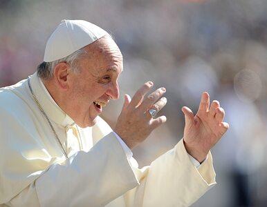 Watykan chciał medalami upamiętnić papieża. Pomylono się w słowie......