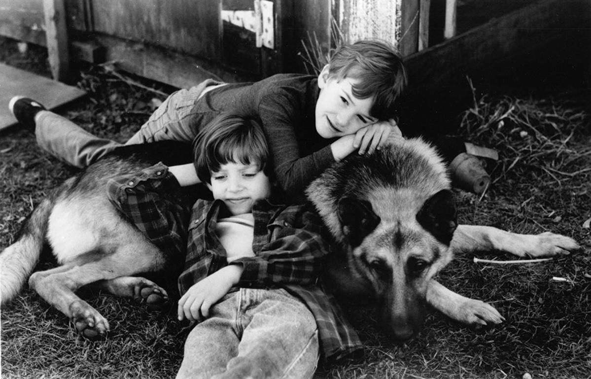 """Elijah Wood i Joseph Mazzello w """"Marzyciele, czyli potega wyobraźni""""  (1992)"""