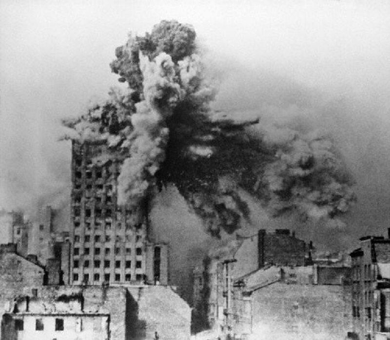 Ile ważyły najcięższe pociski wystrzeliwane na Warszawę z niemieckiego moździerza Ziu?