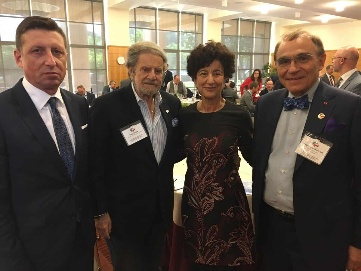 Tad Taube oraz prof. Piotr Moncarz Tad Taube, honorowy konsul w Kalifornii oraz prof. Piotr Moncarz