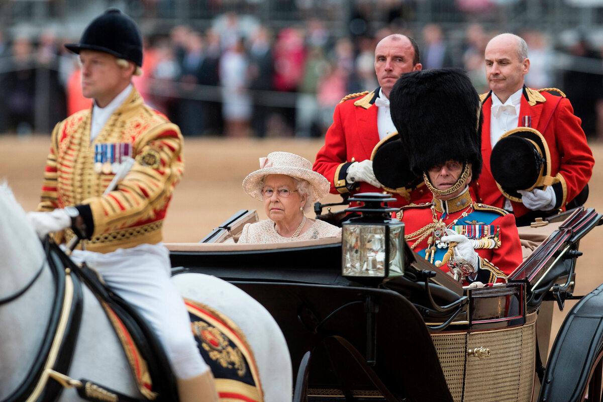 Elżbieta II i książę Filip podczas obchodów urodzin królowej w 2015 roku