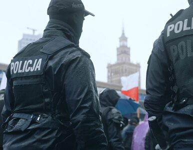 Policjanci bez maseczek. Ostentacyjnie ignorują najnowsze przepisy