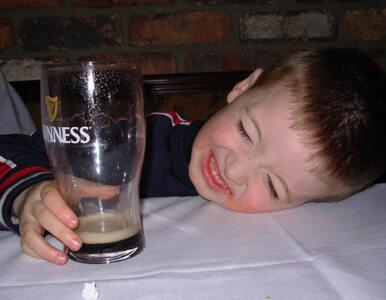 Na wakacjach prócz dorosłych upijają się... dzieci. Nawet niewielkie...