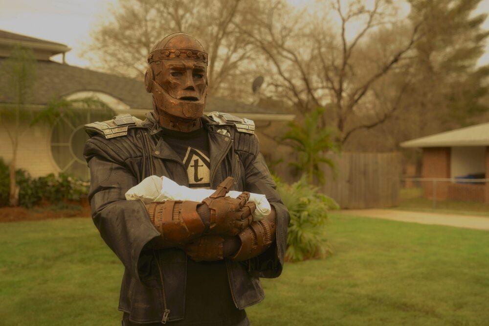 "Kadr z 3. sezonu serialu ""Doom Patrol"""