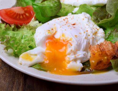 Jajko w koszulce: jak zrobić jajka poszetowe?