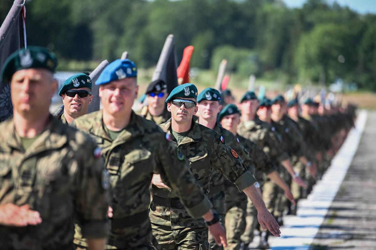 """Próba i ćwiczenia do Defilady """"Wierni Polsce """" (9 sierpnia)"""
