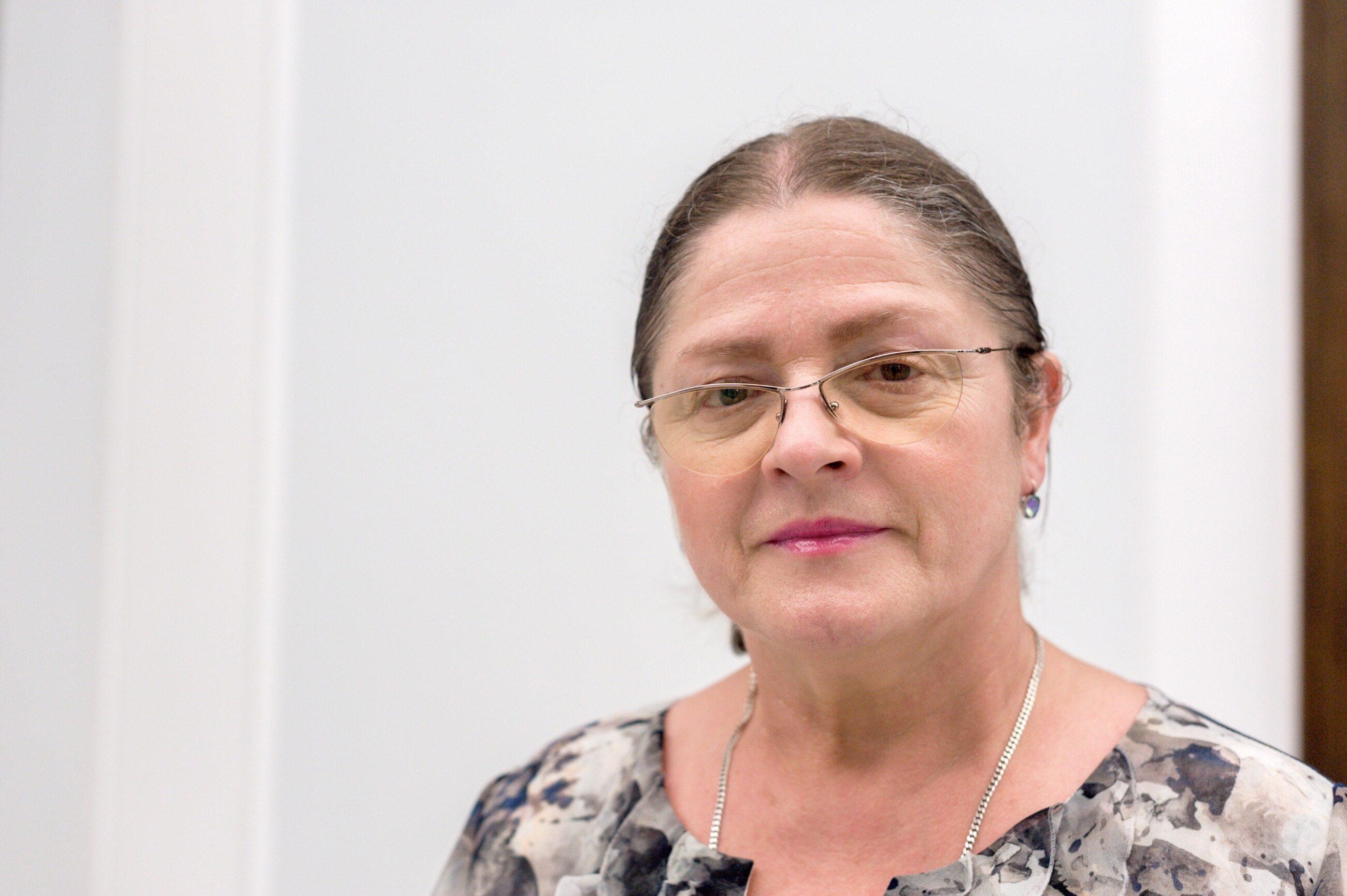 """Krystyna Pawłowicz w mediach społecznościowych zwróciła się do minister edukacji. """"Pani minister Anno Zalewska, wobec anty-uczniowskiego bojkotu przez nauczycieli egzaminacyjnej pracy ich uczniów i wychowanków, nieetycznego politycznego szantażowania uczniów, rodziców i części nauczycieli proszę rozważyć…"""