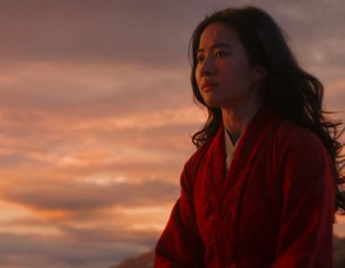 """Disney usuwa jednego z bohaterów aktorskiej wersji """"Mulan"""". Powodem ruch..."""