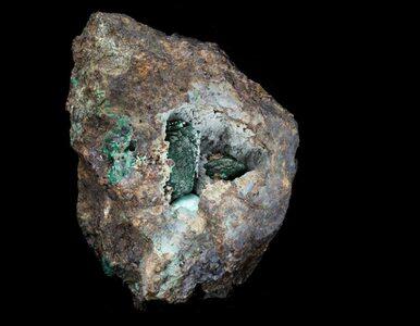 Naukowcy odkryli nowy minerał. Próbkę znaleźli w… muzeum