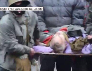 Demonstranci na Majdanie ratują rannych