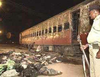 11 muzułmanów zginie za podpalenie pociągu w Indiach