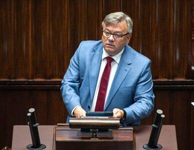 """Najbogatszy poseł przez pandemię stracił 2,5 mln zł. """"Banki wycofały..."""