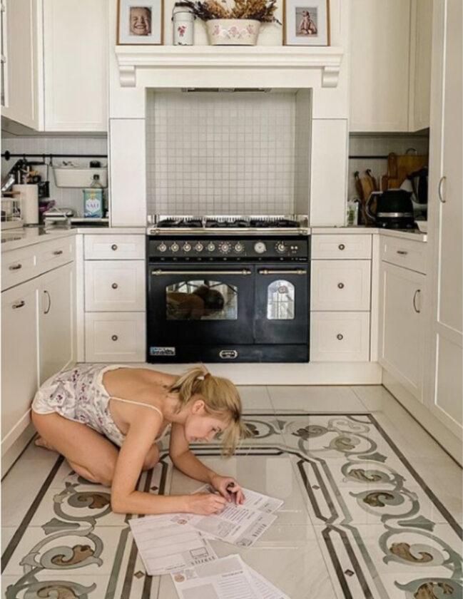 Edyta Pazura w kuchni