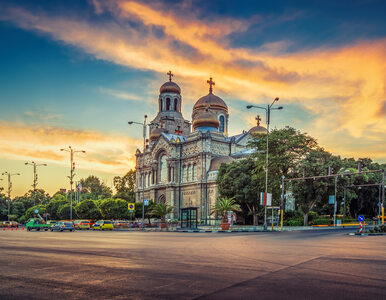 Warna to nie tylko Złote Piaski. Odkryj Bułgarię na nowo!