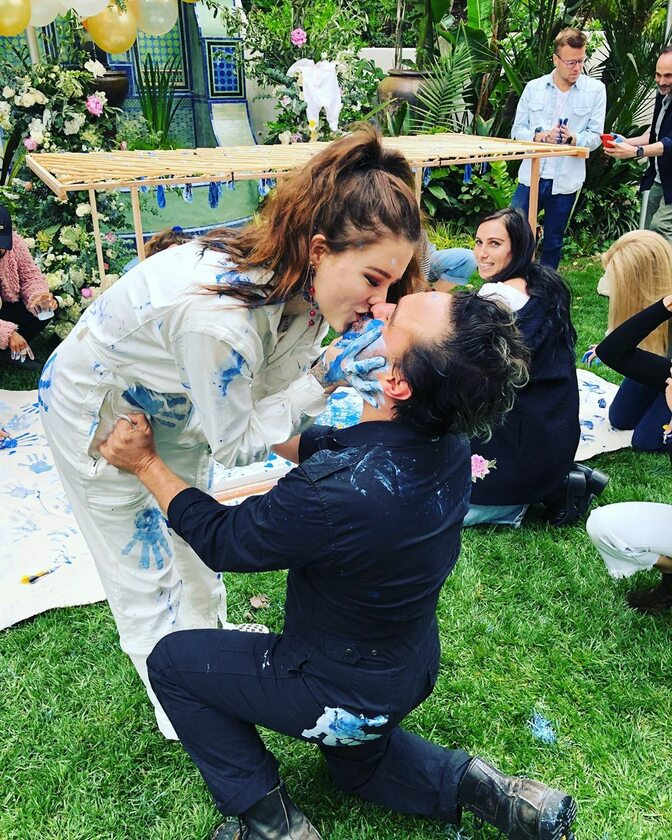 Johnny Galecki i Alaina Meyer