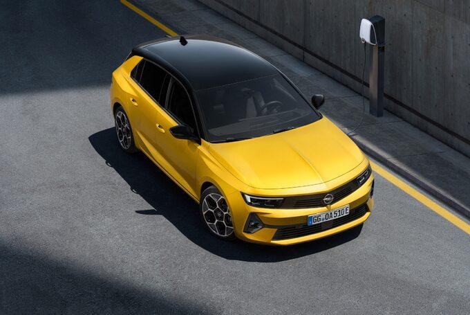 Trzy ważne auta dlaPolaków: Dacia Duster, Kia Sportage iOpel Astra
