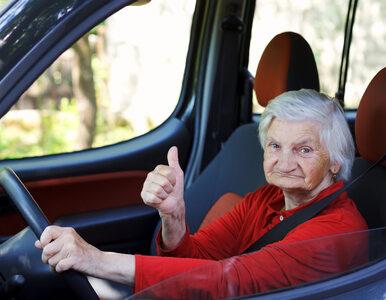 Seniorzy nie potrafią obsługiwać nowoczesnych samochodów. Ale wiedzą,...