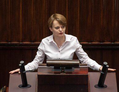 Emilewicz: Nie rozważamy zniesienia zakazu handlu w niedziele