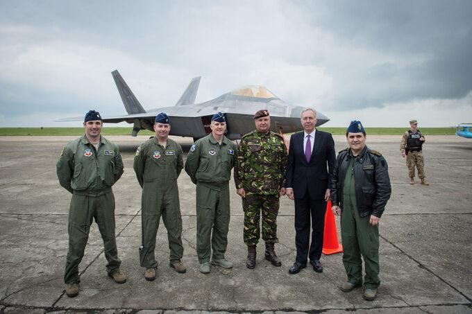 F-22A Raptor na lotnisku w bazie lotniczej Mihail Kogalniceanu, Rumunia