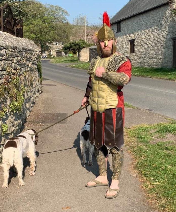 Oryginalna stylizacja na spacer z psem