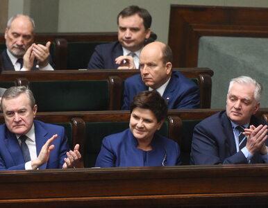 """""""Super Express"""": 200 mln na nagrody w rządzie Szydło"""