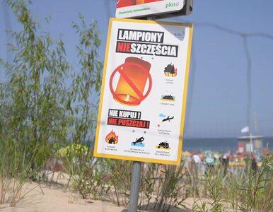 """""""Lampiony nieszczęścia"""". Władysławowo walczy ze szkodliwą modą na plażach"""