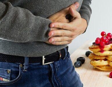 Pokarmy, które źle wpływają na żołądek. Unikaj ich dla własnego zdrowia