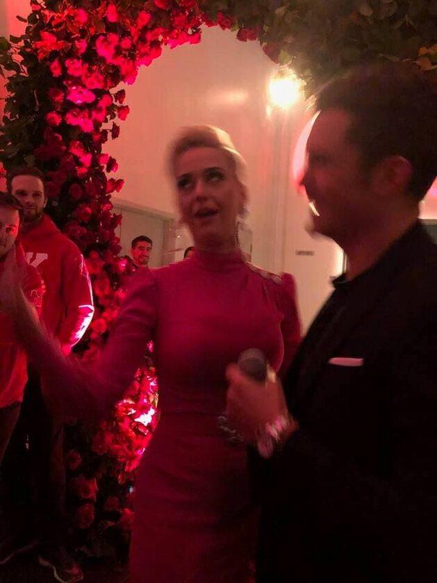 Katy Perry i Orlando Bloom i pierścionek zaręczynowy