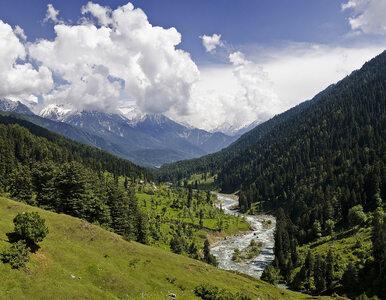 Indie i Pakistan zaczęły walczyć o Kaszmir