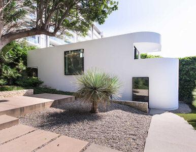 Reżyser Bonda odrestaurował dom mistrza modernizmu. Rezydencja na...