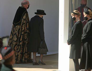 Królowa Elżbieta II i inni żałobnicy na pogrzebie księcia Filipa. Zdjęcia