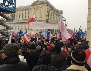 Demonstracje w Warszawie. Tłum skanduje: Przestań milczeć prezydencie!