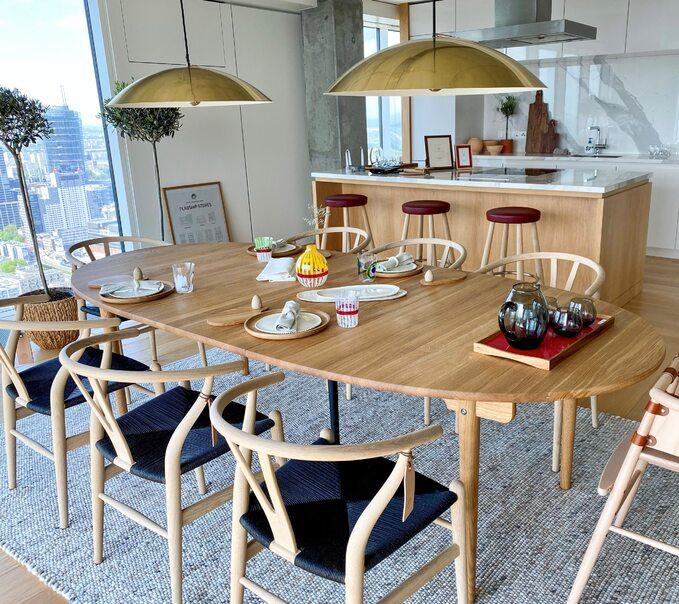 ZŁOTA 44 nawiązuje współpracę zduńską marką Carl Hansen & Søn