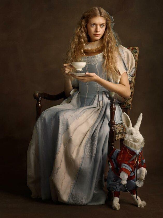 Alicja w Krainie Czarów, Fot. Sacha Goldberger / Facebook