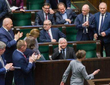 Jarosław Kaczyński traci zaufanie do najbliższych. Echa taśmy z prezesem...