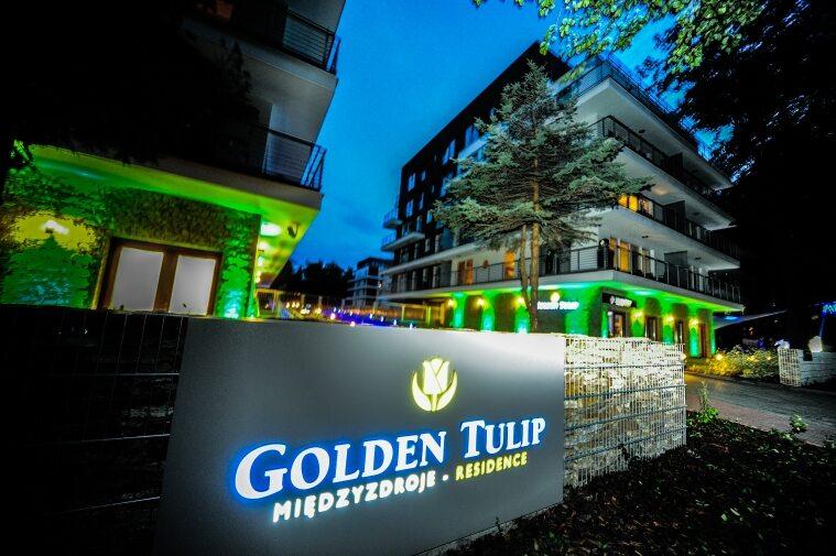 Golden Tulip w Miedzyzdrojach nocą