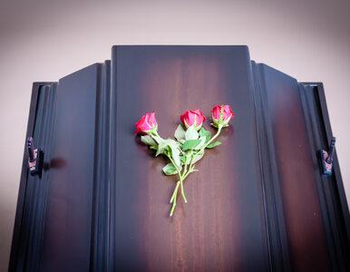 Incydent podczas pogrzebu. Ciało burmistrza wypadło z trumny