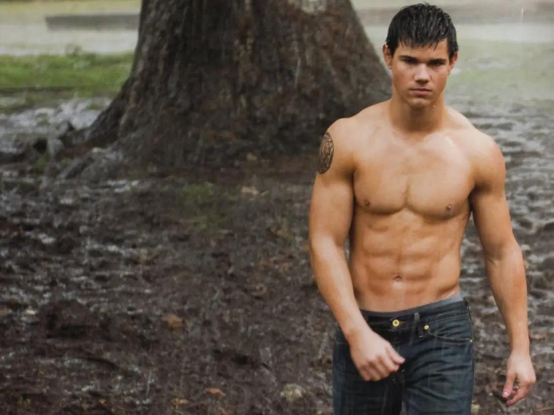 """Taylor Lautner jako Jacob Black w filmie """"Zmierzch"""" (2008)"""