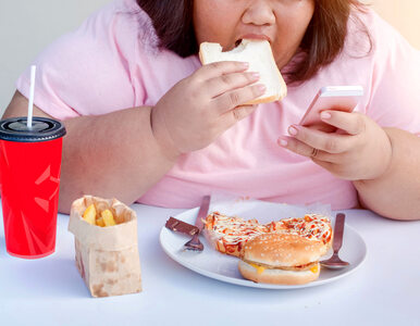 Jak twój telefon może wpływać na to, co jesz i ile ważysz? Nowe badania
