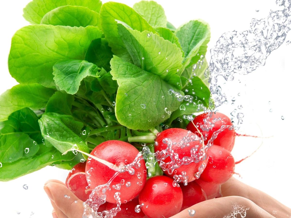 Nie wyrzucaj liści rzodkiewki. Są smaczne i zdrowe!