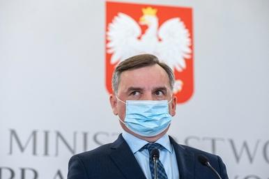 Iskrzy na linii Marian Banaś – Zbigniew Ziobro. Chodzi o kontrolę...