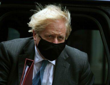 Boris Johnson ma kolejny problem. Jego prywatny numer jest dostępny w...